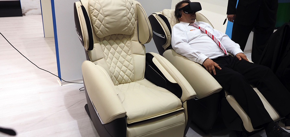 How Massage Chairs Help To Relief The Problem Of Sciatica?